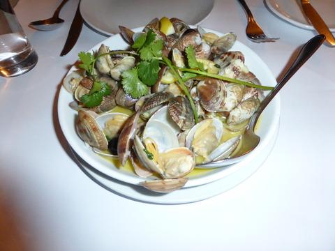 夕食1アサリの白ワイン蒸