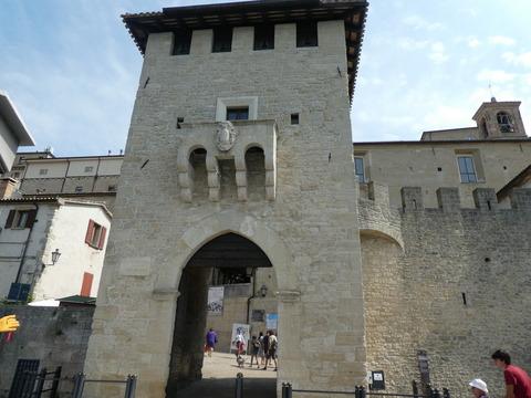 サンマリノ (14)聖フランチェスコ門
