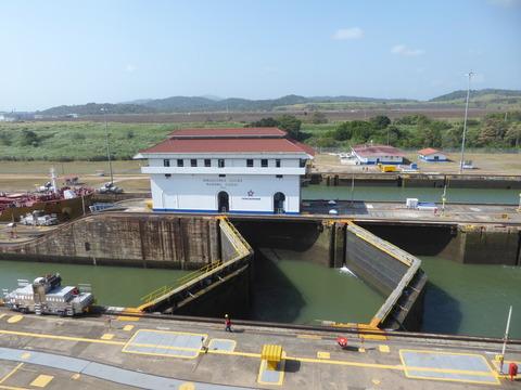 パナマ運河 (146)