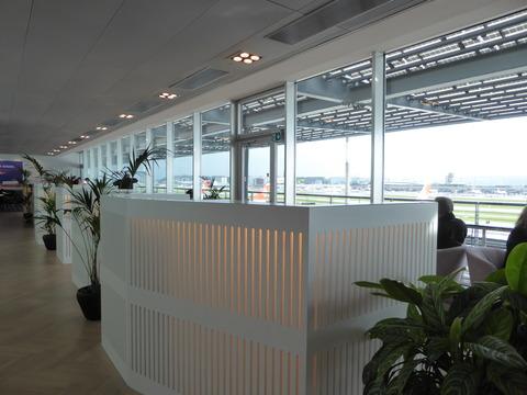 空港ラウンジ (2)
