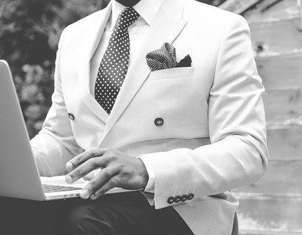 suit-869380__340