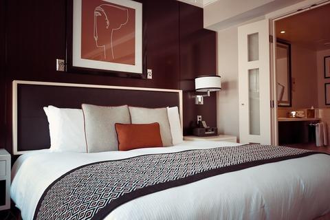hotel-room-1447201_960_720