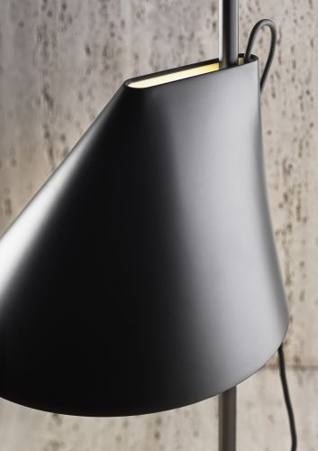 yuh-table-lamp-detail-black-2