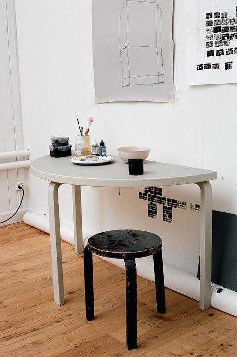 Aalto_Table_half-_JPG