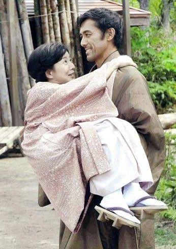 吉永小百合 お姫様抱っこ