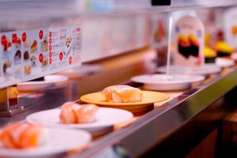 100円回転寿司