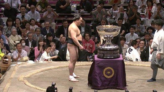 日馬富士 逆転優勝