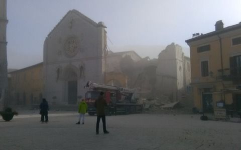 イタリア 地震