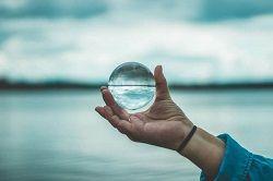 beach-crystal-ball-glass-1047896