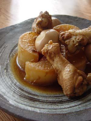 鶏と大根の酢醤油煮込み、豚汁
