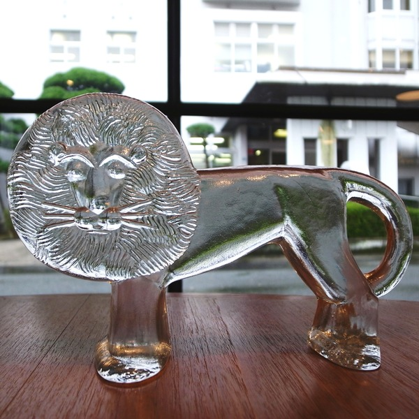 KOSTA BODA社の大きなライオン
