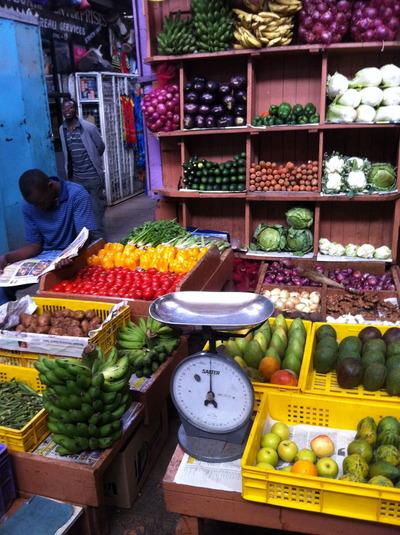 シティマーケットの果物売り場