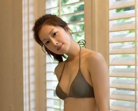 笛木優子さんのビキニ