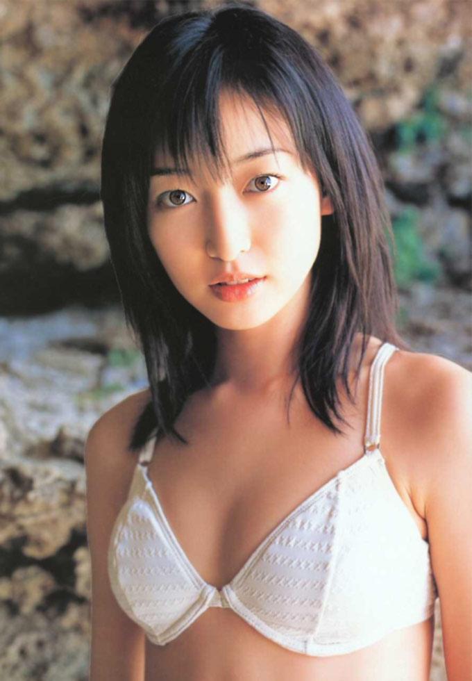 アイドルたまて箱e上野なつひ スク水やビキニで可愛いグラビア画像