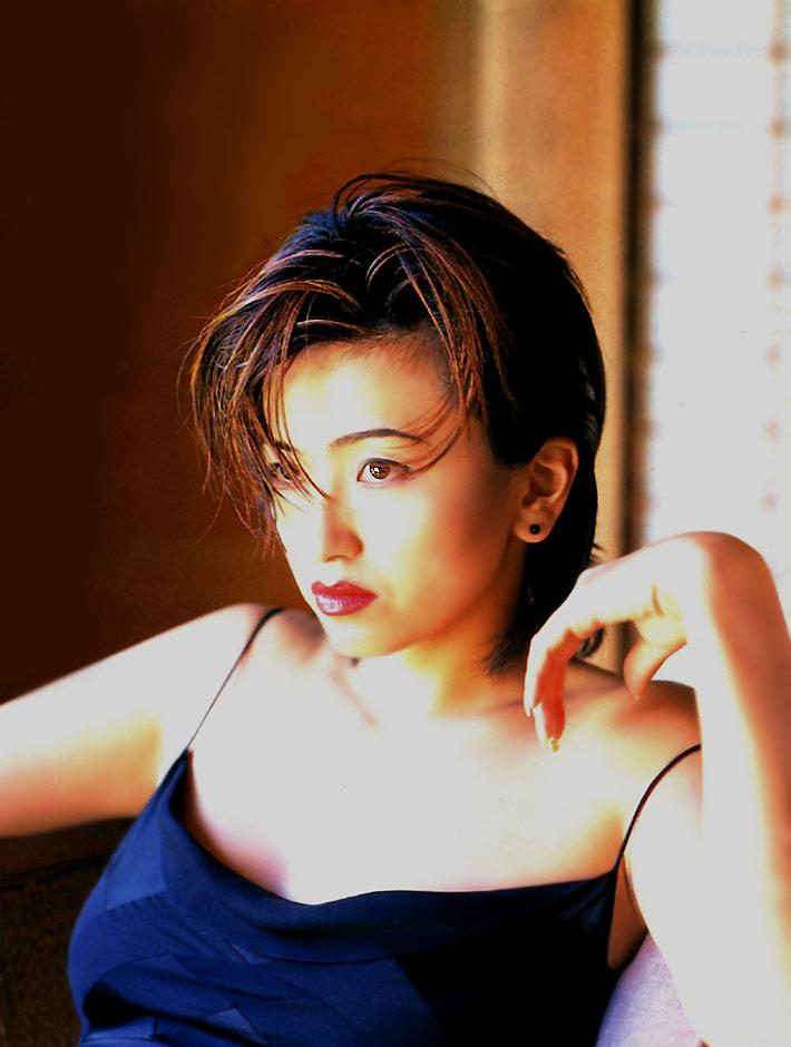 saitou-youko02up トゥナイト2で人気を集めた斎藤陽子のグラビア画像 : アイドル