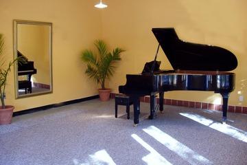 グランドピアノ写真