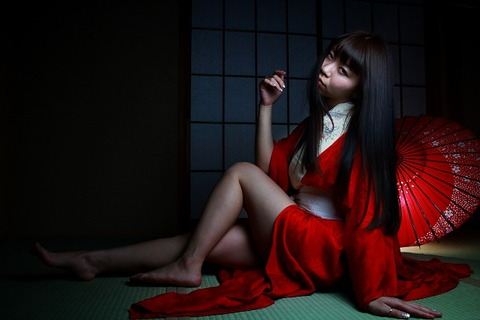 Miki Red in the dark_0005