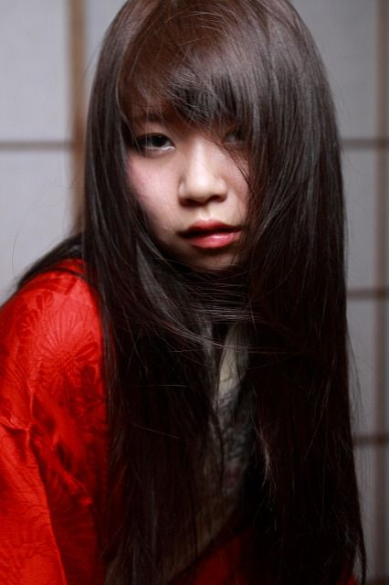 Miki Red in the dark_0003