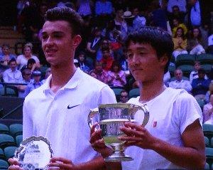 ウインブルドンのジュニア部門の男子シングルスで望月慎太郎が優勝