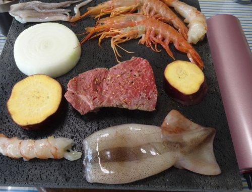 溶岩プレートで卓上コンロでステーキを焼いてみました