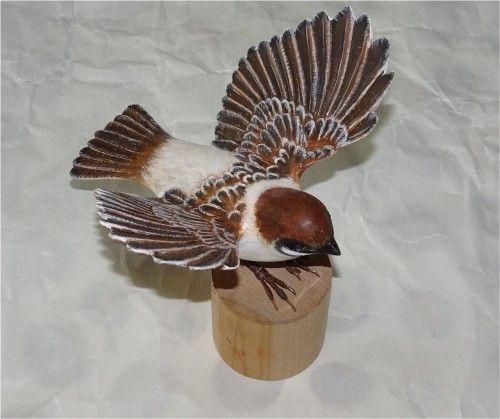 雀の飛翔形 バードカービングの作品