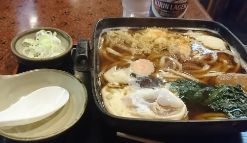 学芸大学のお蕎麦屋さん松月庵で、鍋焼きうどんを食べました
