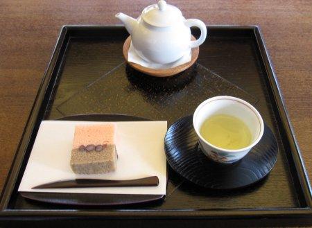 駿府城公園 茶室のお茶とお菓子