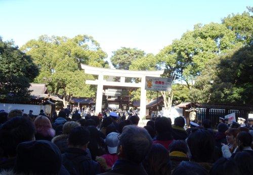 初詣で明治神宮、代々木の競技場の横を通って渋谷まで散歩