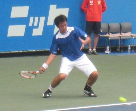 ニッケ全日本テニス選手権の男子シングルス決勝戦 伊藤竜馬