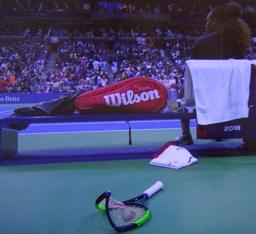 全米オープンテニスのシングルス決勝、大坂なおみがセリーナに勝ち優勝。新旧世代交代へ