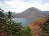 紅葉の男体山、中禅寺湖