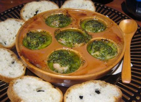有楽町ガード下 ryu-s(リュウズ) 牡蠣のエスカルゴ風