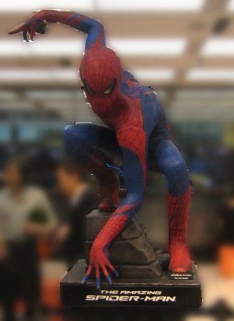 ソニービルの1階の入口 スパイダーマン