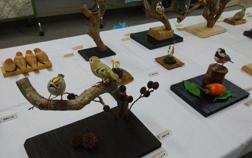 バードカービングサークルの作品展 横浜市の浦島丘中学校のコミュニティハウスまつり
