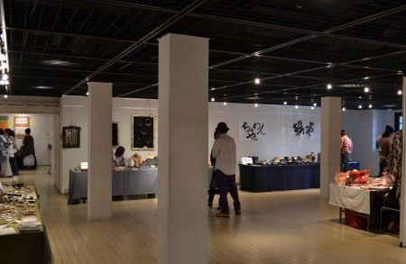 横浜赤レンガ倉庫のクラフト展
