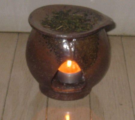 焼き締めの茶香炉