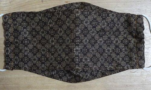 大島紬の和風手作りマスク 西村大臣風の立体構造