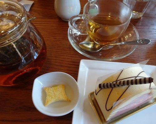 谷中のケーキ喫茶「がようし」のケーキセット