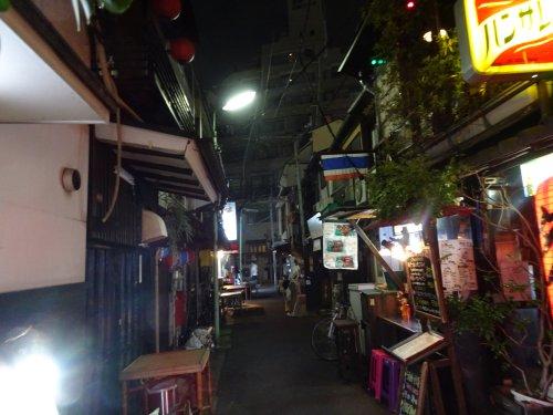 西荻窪駅近くの昭和レトロな飲み屋街ではしご酒
