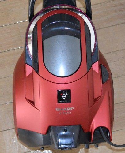 シシャープ プラズマクラスター サイクロン式掃除機 EC-PX210-Rを購入