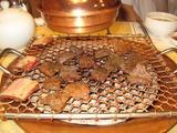 ブンダンのレストランの骨付きカルビ焼肉
