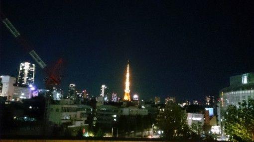 六本木ヒルズから見る東京タワーのライトアップ