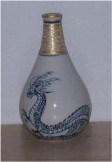 鶴首の花瓶 龍の絵付け