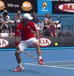 錦織圭の全豪オープンテニスの股抜きショット