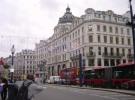 ロンドン名物の二階建てバス