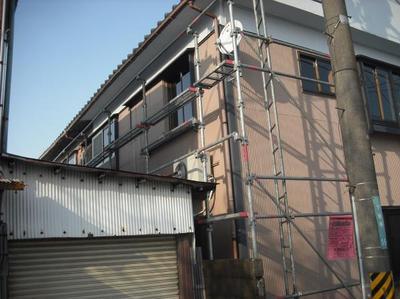 新潟県三条市屋根外壁リフォーム専門店 遠藤組 I様邸仮設足場掛かりました。