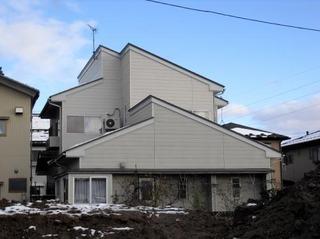 新潟県三条市屋根外壁リフォーム専門店遠藤組 三条市O様邸完成です。