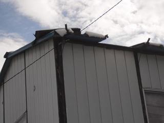 新潟県三条市屋根外壁塗装リフォーム専門店 遠藤組 屋根剥がれ緊急出動