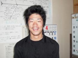 新潟長岡三条屋根外壁専門店遠藤組 新入社員の金子君です。