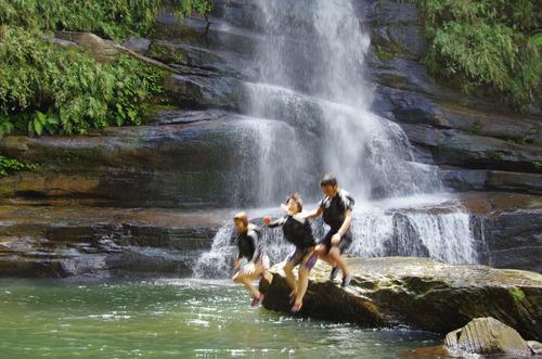 西表島ナーラの滝201108-11